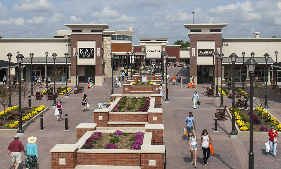 coach store premium outlets 1xrl  Best Outlet Stores in Minneapolis, MN, United States